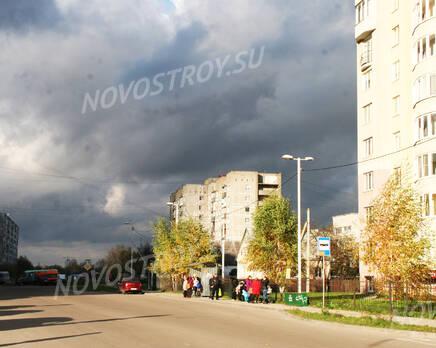 Остановка общественного транспорта около ЖК на ул. Кошевого, 15 (31.10.2013 г.), Ноябрь 2013