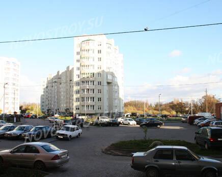 Стоянка около ЖК на ул. Кошевого, 15 (31.10.2013 г.), Ноябрь 2013