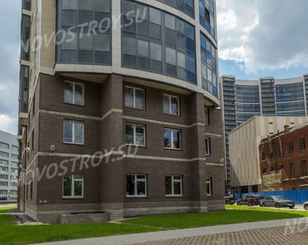 ЖК «Молодёжный»: фасад с торца (19.06.2015), Июнь 2015