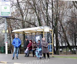 Остановка общественного транспорта около ЖК «Журавлик» (28.10.12)