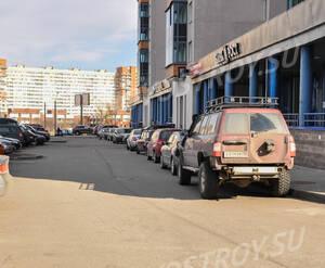 Парковка рядом с ЖК «Монплезир» (15.05.2013 г.)