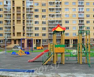 Детская площадка рядом с  ЖК «Аничково» (20.06.2013 г.)