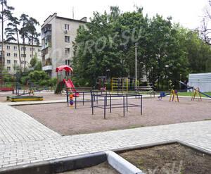 Детская площадка ЖК «Малахит» (20.06.2013 г.)