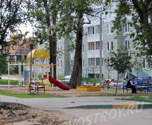 Детская площадка ЖК «Южный» (10.08.2013 г.)