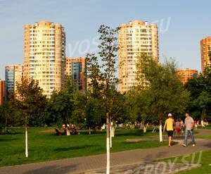 Сквер рядом с ЖК на Юбилейном проспекте, 24 (30.08.2013)