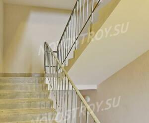 ЖК «Университетский Петергоф»: лестничный пролет 2-ой этаж. 30.01.15