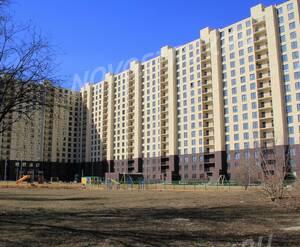 ЖК «Л-Парк»: 11.04.2015 - Построенный корпус, вид со двора. На данный момент здание готово к заселению.