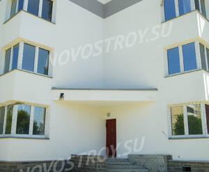 ЖК «Дом в Романовке»: входная группа (7.06.15)