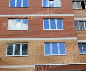 ЖК «Поварово-Молодежный»: 24.06.2015 - Фрагмент корпуса, средние этажи, крупный план