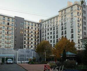 ЖК «Аристократ» (Петроградский район): вид с придомовой территории (20.10.2015)