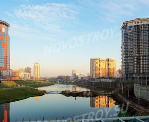 МФК «Astrum residence»: 07.11.2015 вид с моста через реку