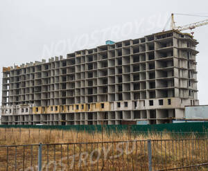 ЖК «Шлиссельбургский дворик»: общий вид на 2 корпус (20.12.2015)