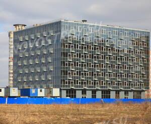 МФК «Лахта Плаза»: вид корпуса 1 с прилегающей территории (11.03.2016)