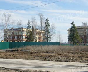 Малоэтажный ЖК «Vnukovo Sport Village»: Общий вид с шоссе.