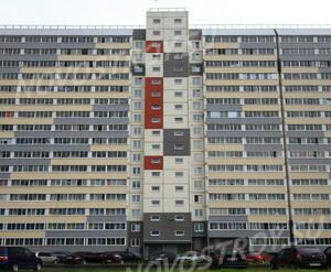 ЖК «в посёлке Тельмана» (мкр. 5): вид корпуса   с придомовой территории.