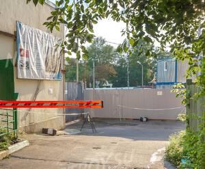 МФК «Резиденция на Покровском бульваре»: Вид на стройплощадку со стороны соседнего двора