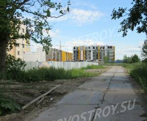 Жилой комплекс на Сапёрной улице (вид с Сапёрной улицы)