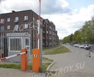 Малоэтажный ЖК «ЗаМитино»: въезд на территорию комплекса