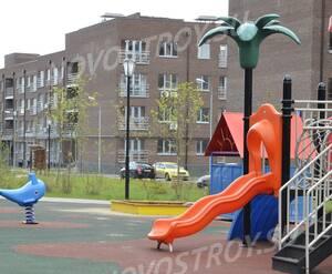 Малоэтажный ЖК «ЗаМитино»: детская площадка на территории комплекса