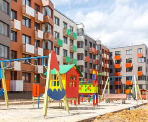 ЖК «Май»: детская площадка на территории комплекса (фото из группы «Вконтакте»)