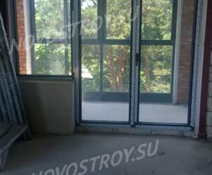 ЖК «Дом Серебряный бор»: застеклённый балкон