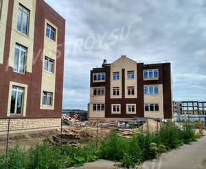 Малоэтажный ЖК «Остров Эрин»: ход строительства дома 13 (фото из группы «Вконтакте»)