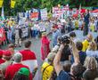 Дольщикам смогут чаще отказывать в проведении митингов