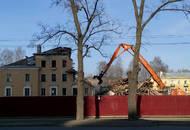 «Строительный трест» о работах на пр. Тореза: «Все мероприятия проводятся в соответствии с Гражданским и Жилищным кодексами РФ»