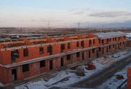 В таунхаусах второго этапа шестой очереди МЖК «Счастье» закончено строительство первых этажей
