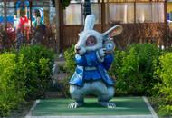 В ЖК «Граффити» полностью готов двор «Алиса в стране чудес»