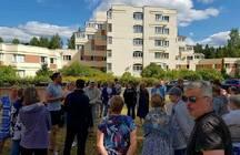 Жители двух районов Петербурга выступили против уплотнительной застройки и уничтожения скверов