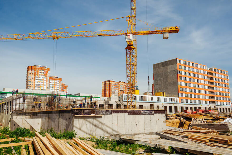 Почти четверть строящегося в России жилья рискует превратиться в долгострои