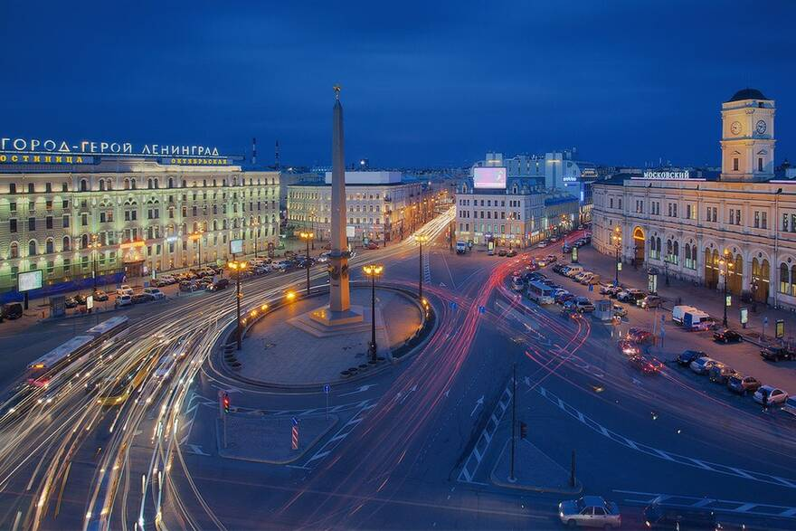 Площадь Востания, Московский вокзал