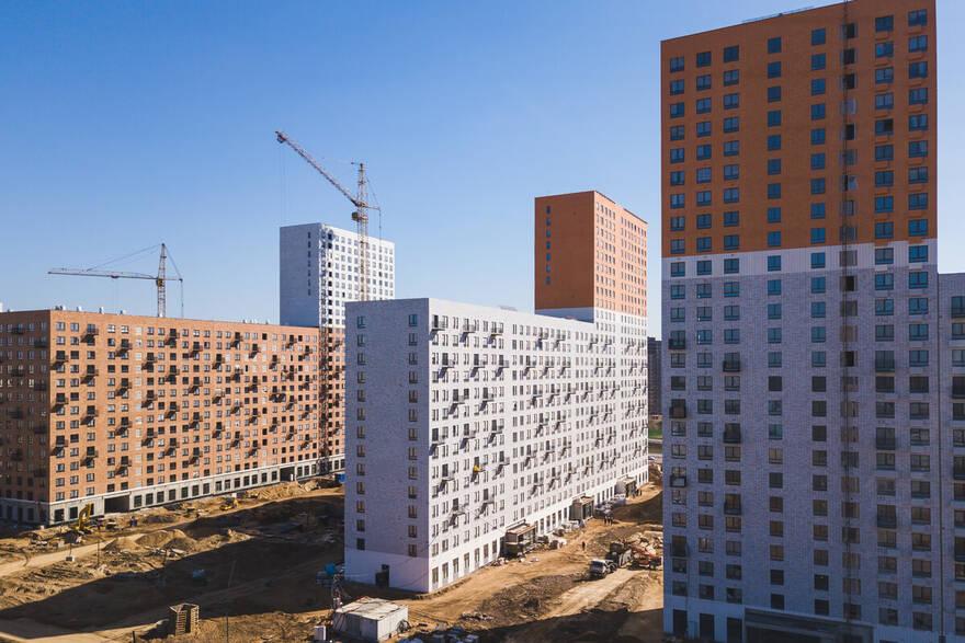 Эксперты: из-за взлетевших цен и бедности, россияне вынуждены брать все больше денег в ипотеку