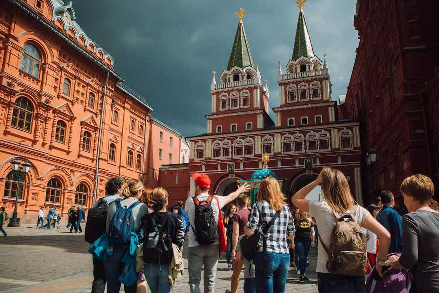 Каждый третий турист не нашел себе жилье на майские праздники: предложение квартир не «выдержало» бешеного спроса