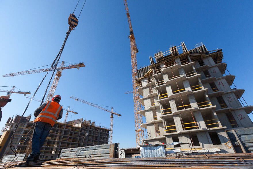 Новые объемы строительства не решат проблему высоких цен на жилье, квартиры на «котловане» продают по уже завышенным ценам